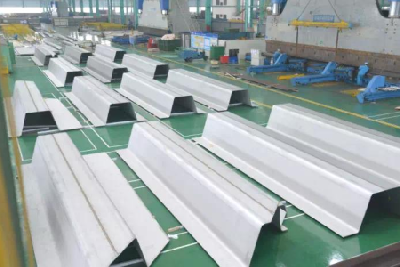 """Ω""Shape plate for world largest duplex steel chemical ship"